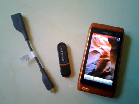 Nokia N8 USB OTG Demo with PenDrive