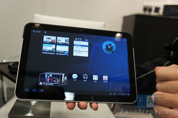 Motorola Xoom available at Verizon Stores