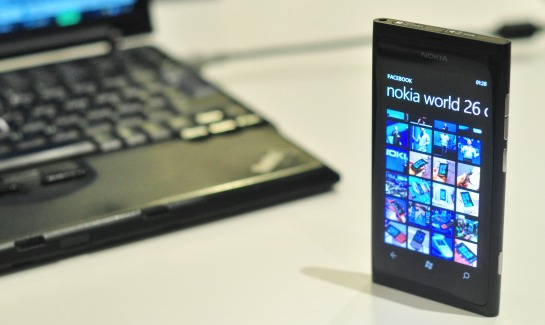 Nokia Lumia 800 FA review1