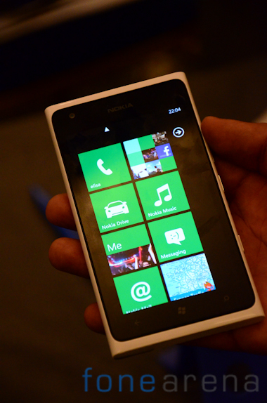 Lumia 900 White-8