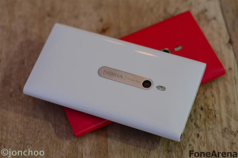 Nokia Lumia 800 White Magenta
