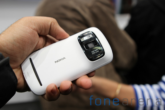 nokia-808-pureview-3401