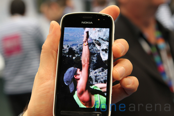 nokia-808-pureview-3461