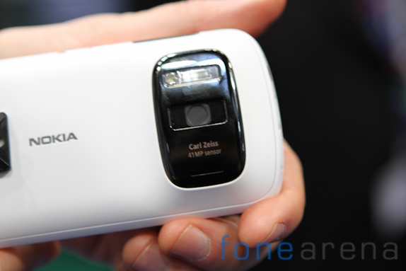 nokia-808-pureview-3463