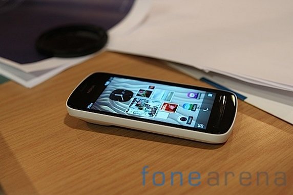 Nokia 808 Pureview hands-on impressions and more photos!