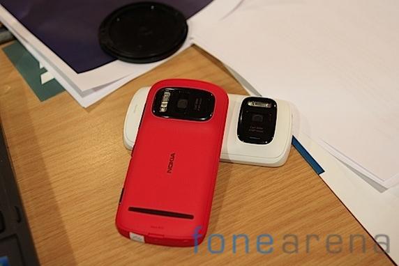 Nokia Pureview 808-19