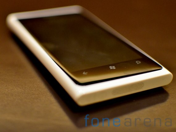 Nokia-Lumia-White-11