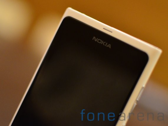 Nokia-Lumia-White-2