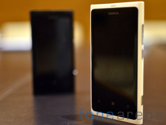 Nokia-Lumia-White-8