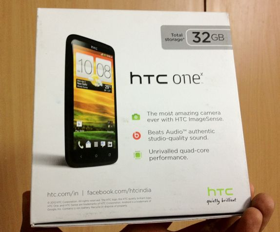 http://images.fonearena.com/blog/wp-content/uploads/2012/04/htc-onex-box-india.jpg