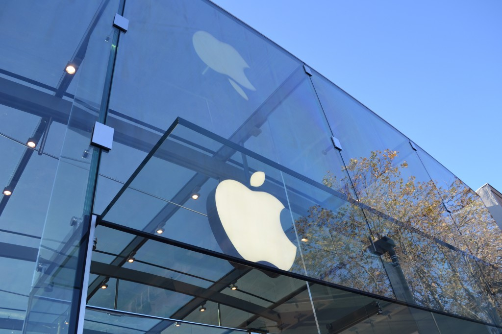 Apple sues Qualcomm for $1 Billion over royalties, Qualcomm says Apple's claims are baseless