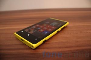 Nokia Lumia 920 yellow 03