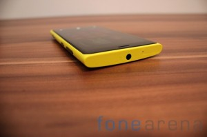 Nokia Lumia 920 yellow 05