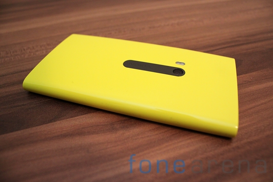 Nokia Lumia 920 yellow 07