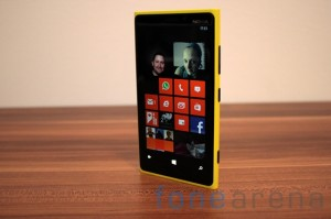 Nokia Lumia 920 yellow 09