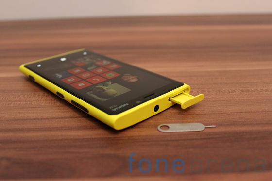 Nokia Lumia 920 yellow 10