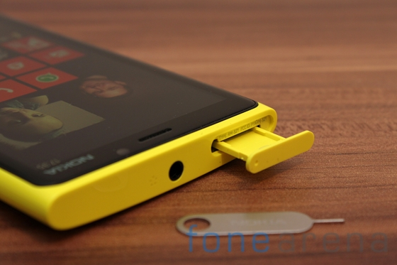 Nokia Lumia 920 yellow 11