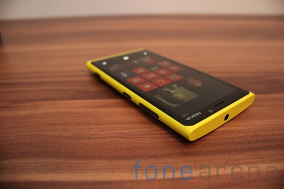 Nokia Lumia 920 yellow 14