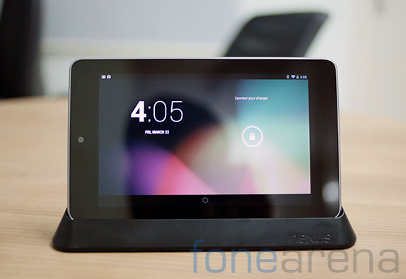 google-nexus-7-dock-hands-on-9
