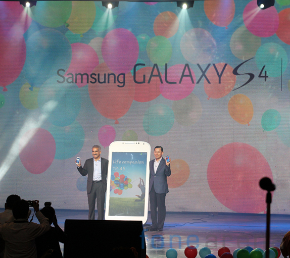 samsung-galaxy-s4-india-launch_10