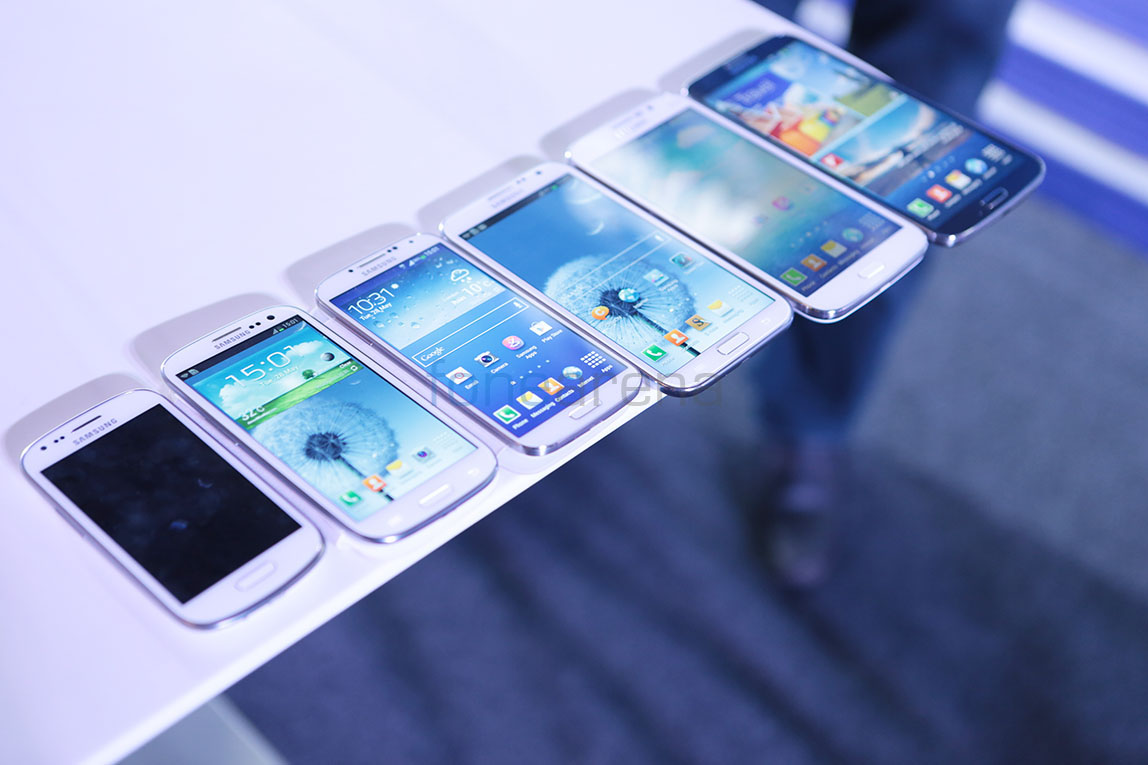 Comparison Galaxy s3 And s4 s3 And The Galaxy s4