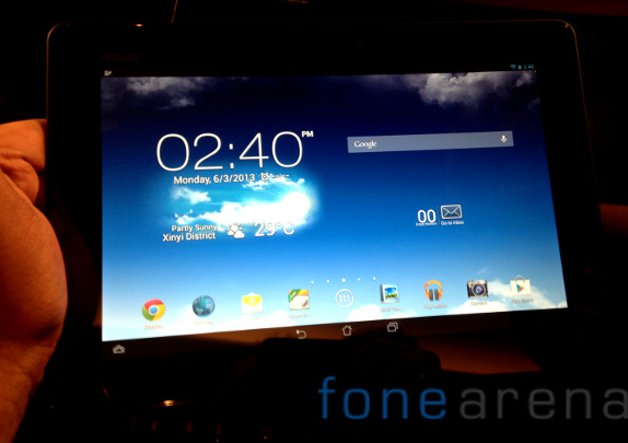 Pad FHD 10 with 10-inch Full HD display, 1.6 GHz dual-core Intel Atom