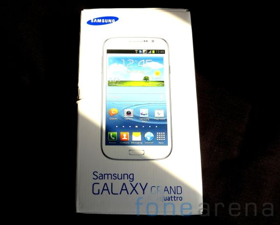 Samsung Galaxy Grand Quattro Unboxing-11