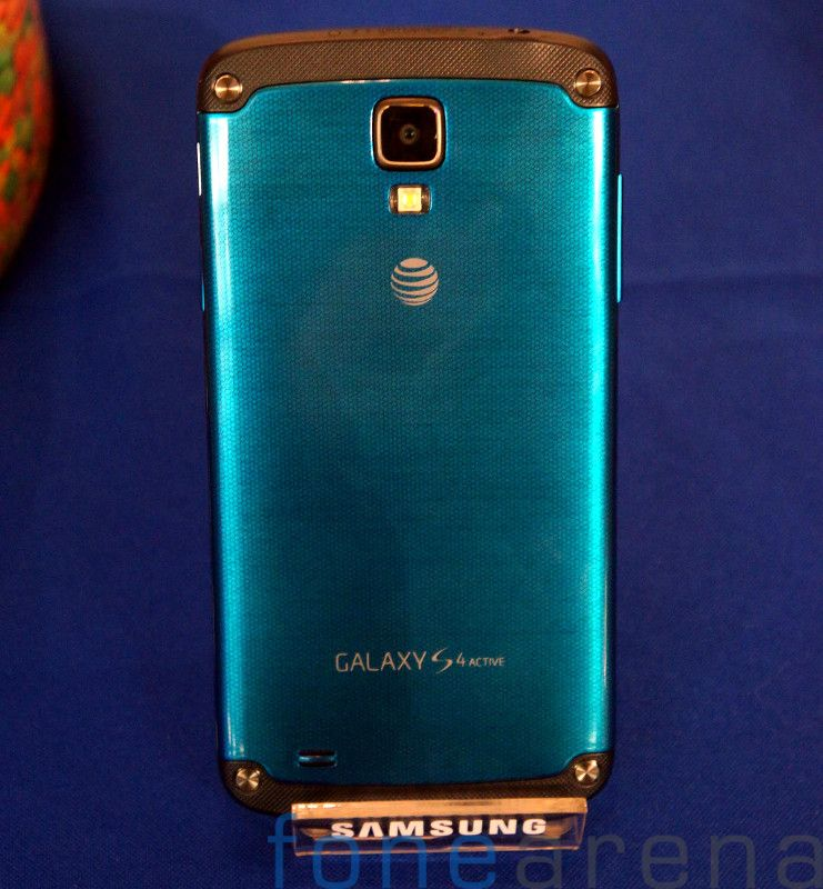 Samsung Galaxy S4 Active AT&T Hands On-13