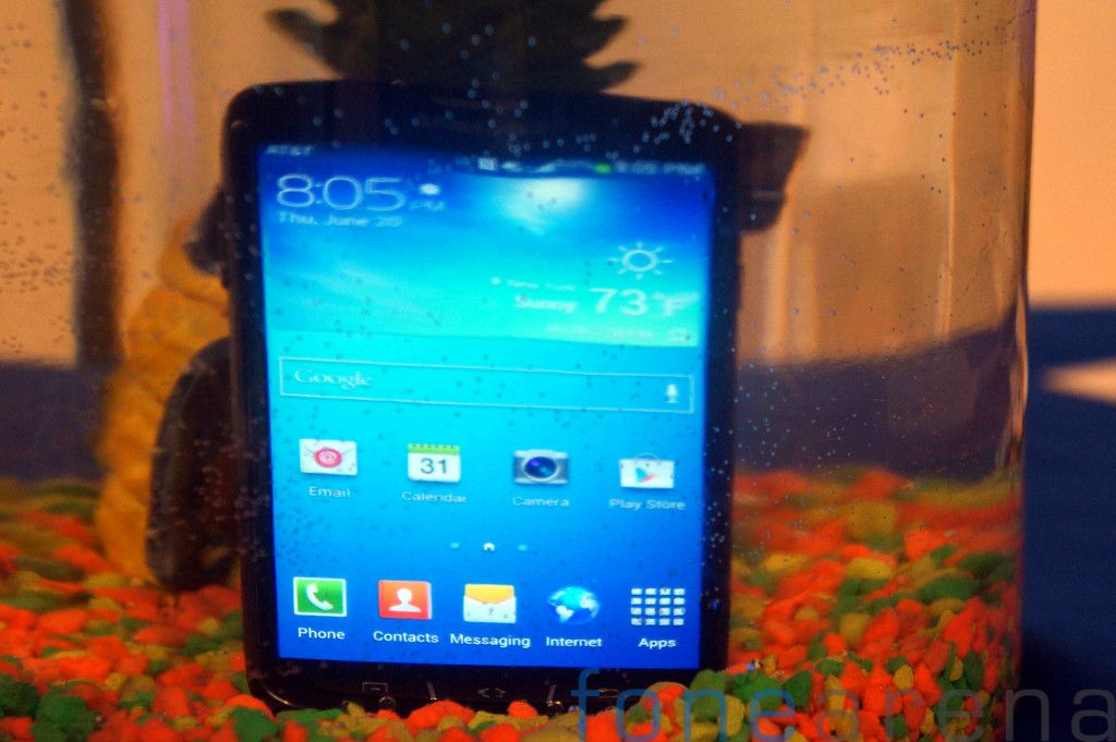 Samsung Galaxy S4 Active AT&T Hands On-8