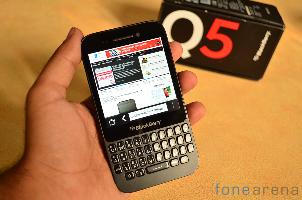 the operating blackberry phones q5 price in india how old