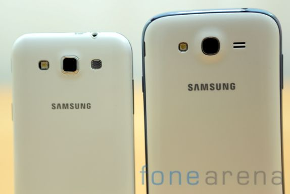 Samsung Galaxy Grand Quattro vs Galaxy Grand Duos-8