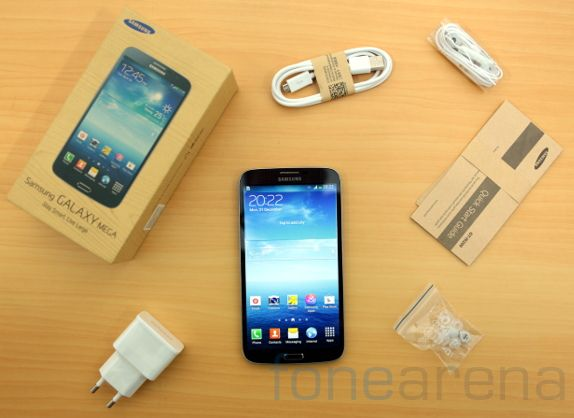 Samsung Galaxy Mega 6.3 Unboxing-10