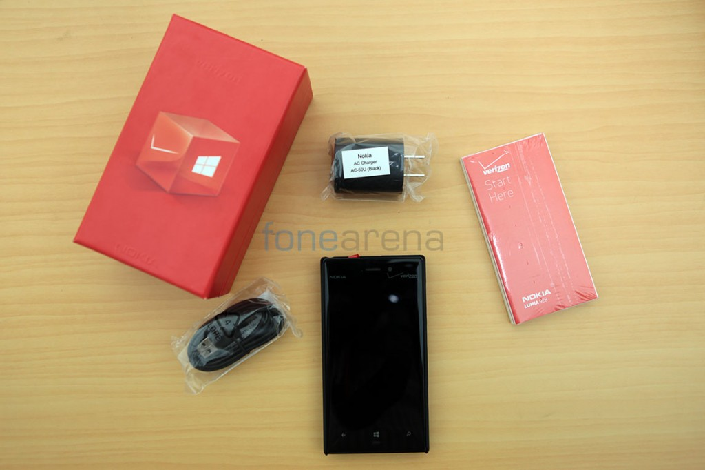 nokia-lumia-928-unboxing-india-1
