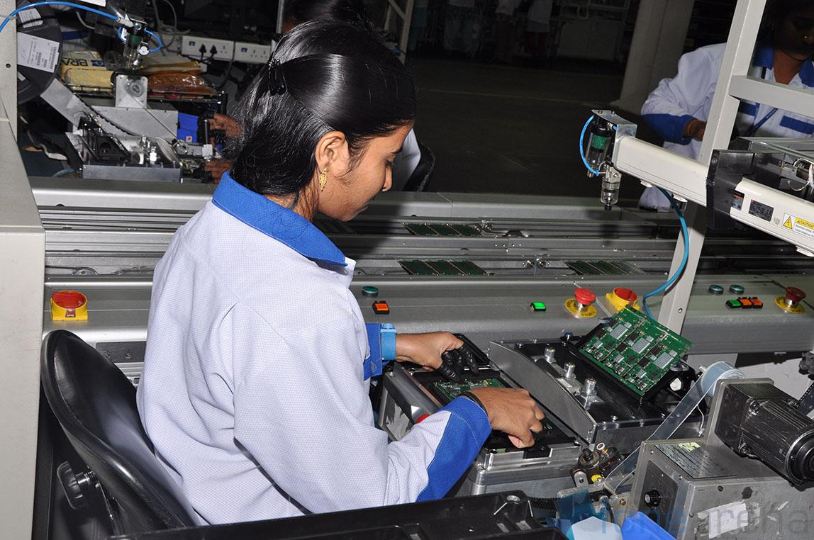 nokia-asha-501-chennai-factory-visit-3