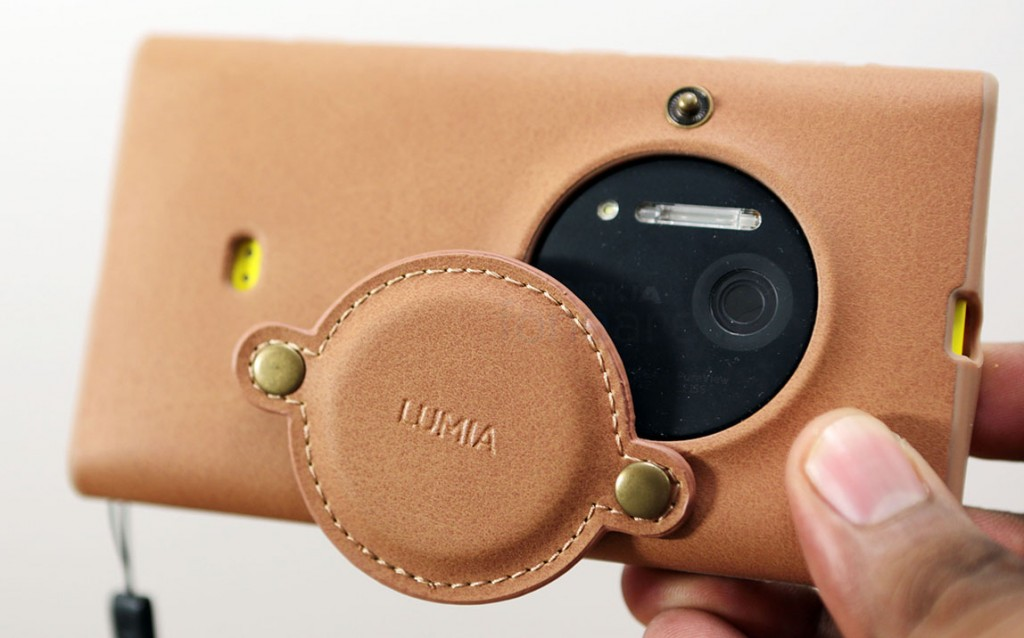 Nokia lumia 1020 leather case hands on