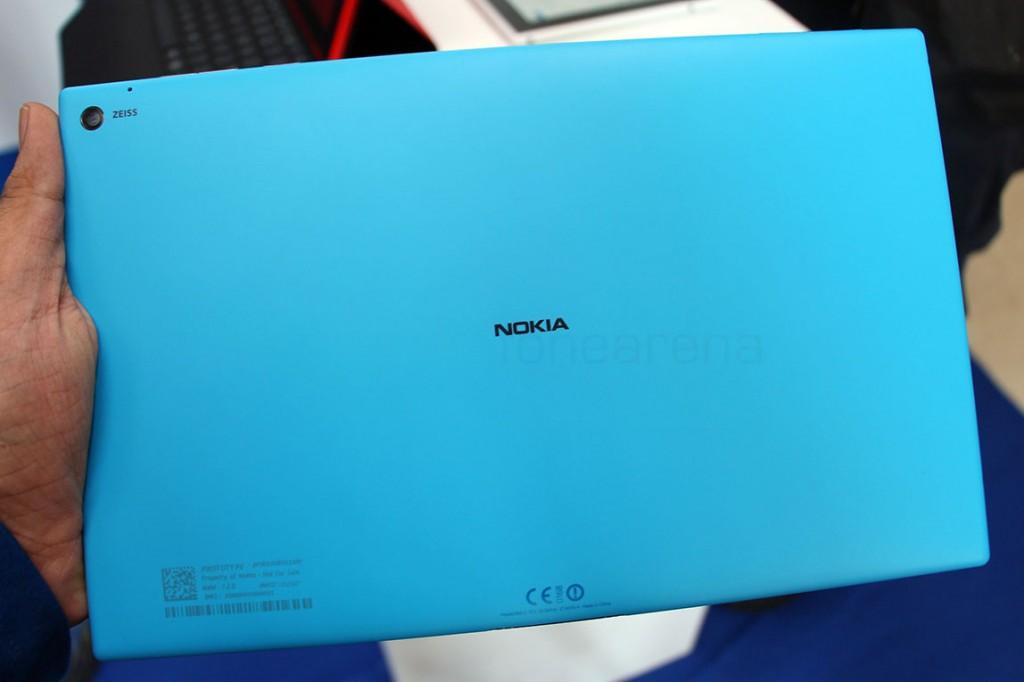 Фото Nokia Lumia 2520