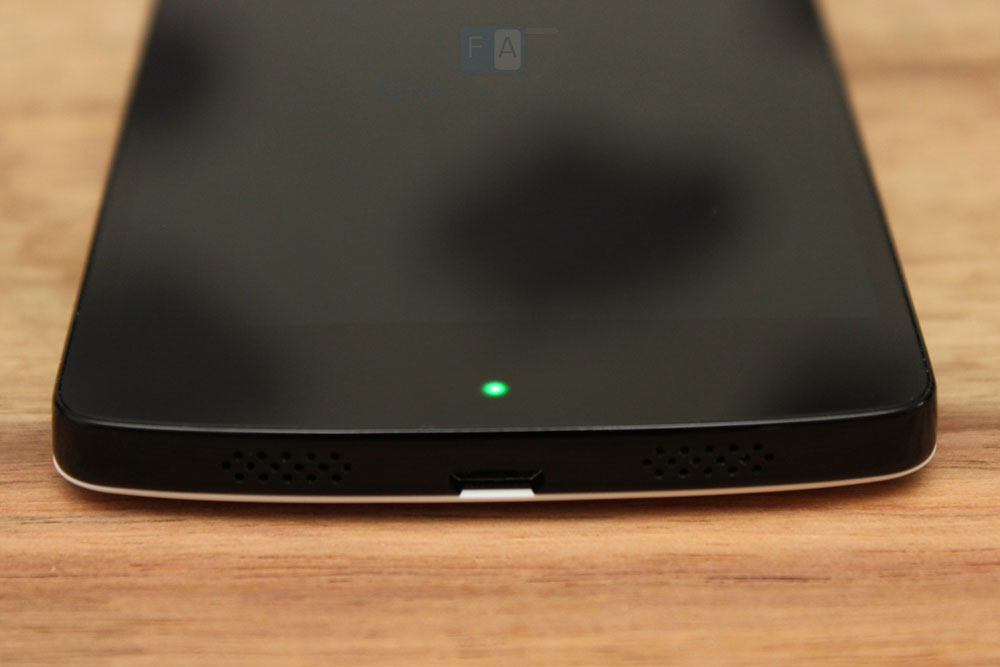 Google-LG-Nexus-5-10