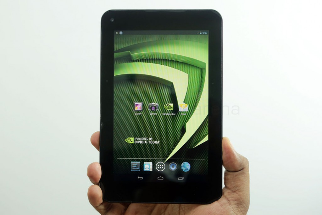 xolo-play-tab-7-unboxing-4
