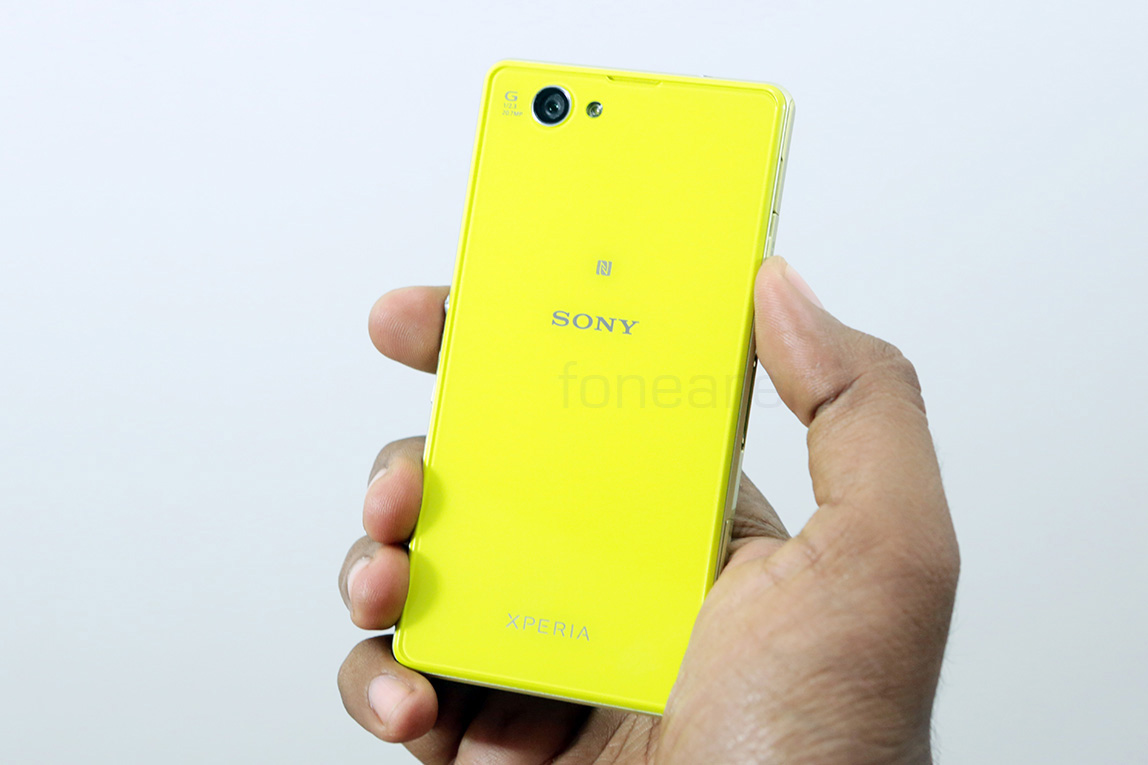 sony-xperia-z1-compact-unboxing-12