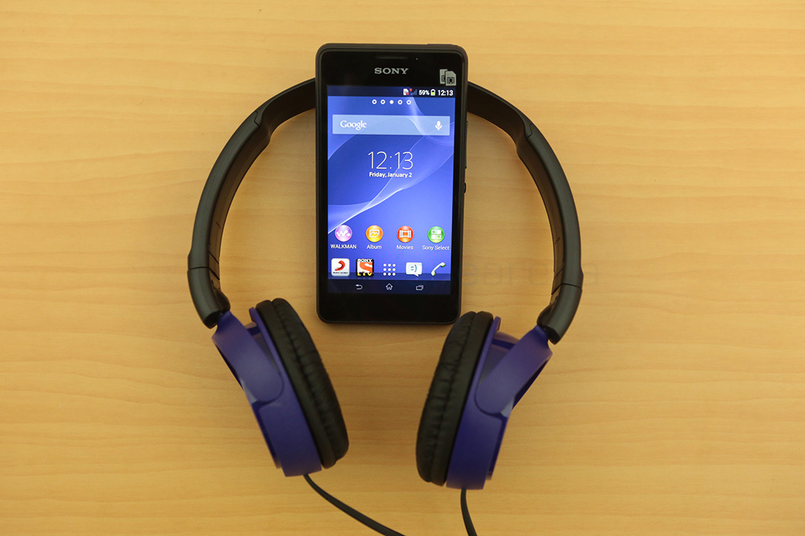 http://images.fonearena.com/blog/wp-content/uploads/2014/03/Sony-Xperia-E1-Dual-Unboxing-1.jpg