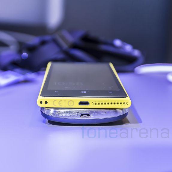 Samsung Galaxy K Zoom Vs Nokia Lumia 1020 Hands On
