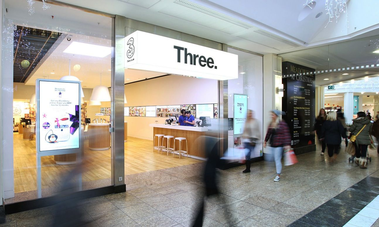 Three UK to buy O2 UK for £9.25 billion