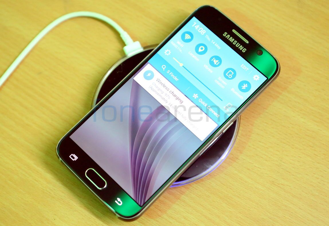 samsung galaxy s6 and s6 edge wireless charger unboxing. Black Bedroom Furniture Sets. Home Design Ideas