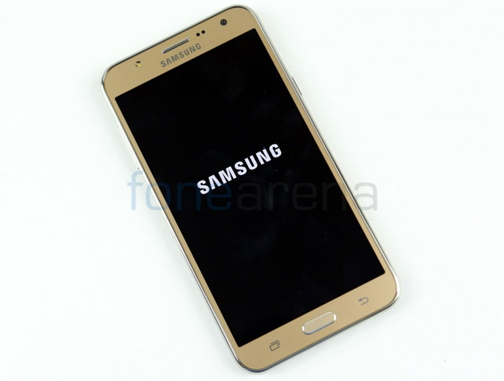 Samsung Galaxy J7 (2016) specifications appear on kernel