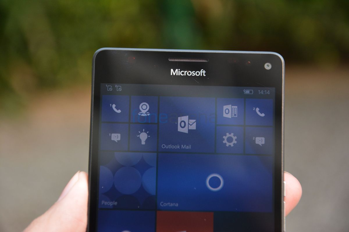 hp falcon windows 10 phone with snapdragon 820 spotted in