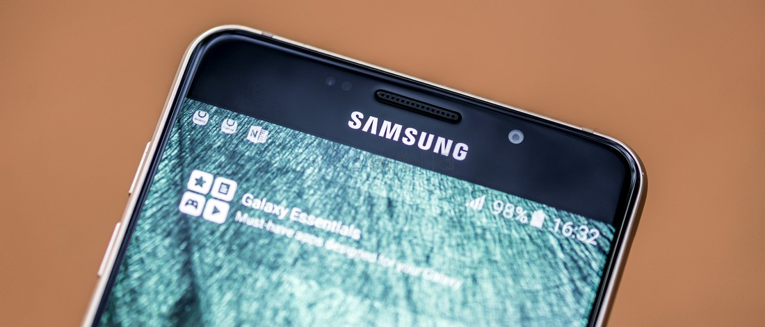 AMOLED displays are cheaper to produce than LCD: IHS Report