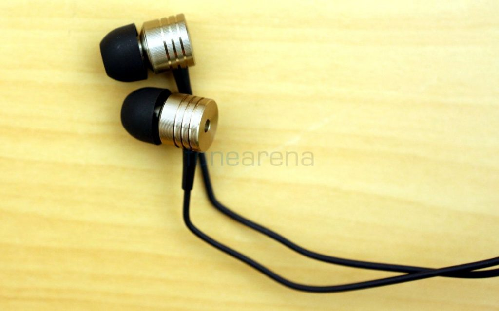 xiaomi-mi-in-ear-earphones-fonearena_002
