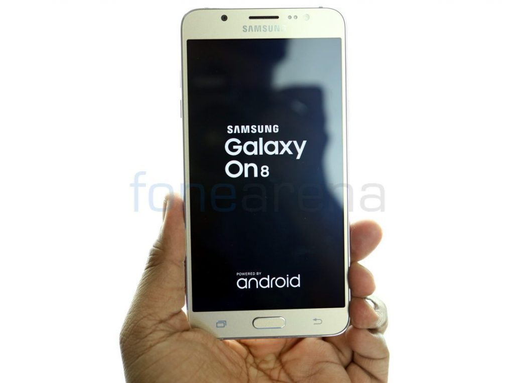 best-smartphones-under-15000-Samsung-Galaxy-On8