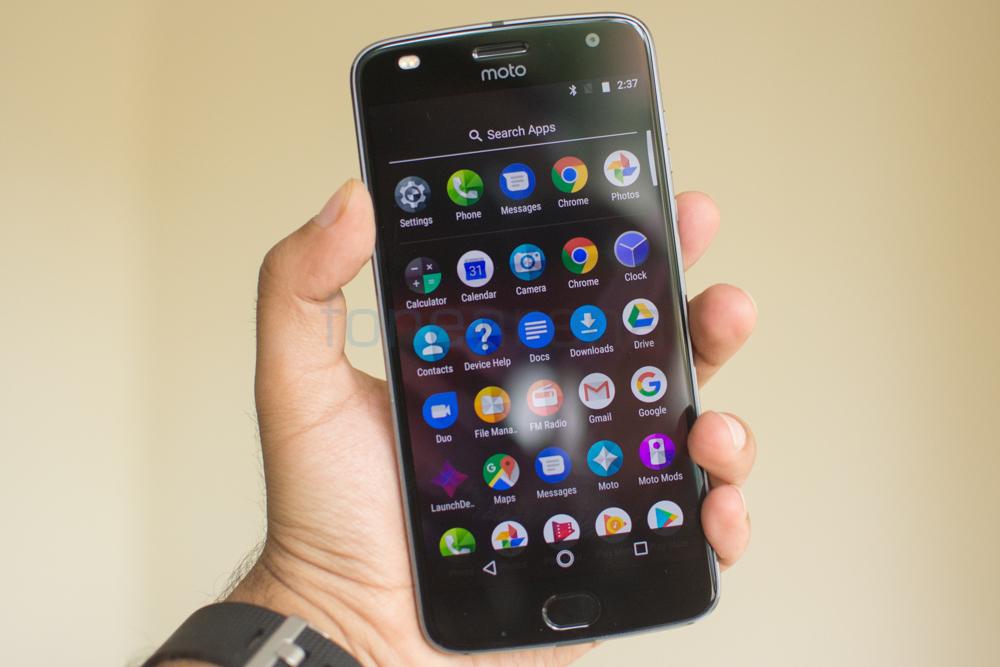 Moto Z2 Play -9