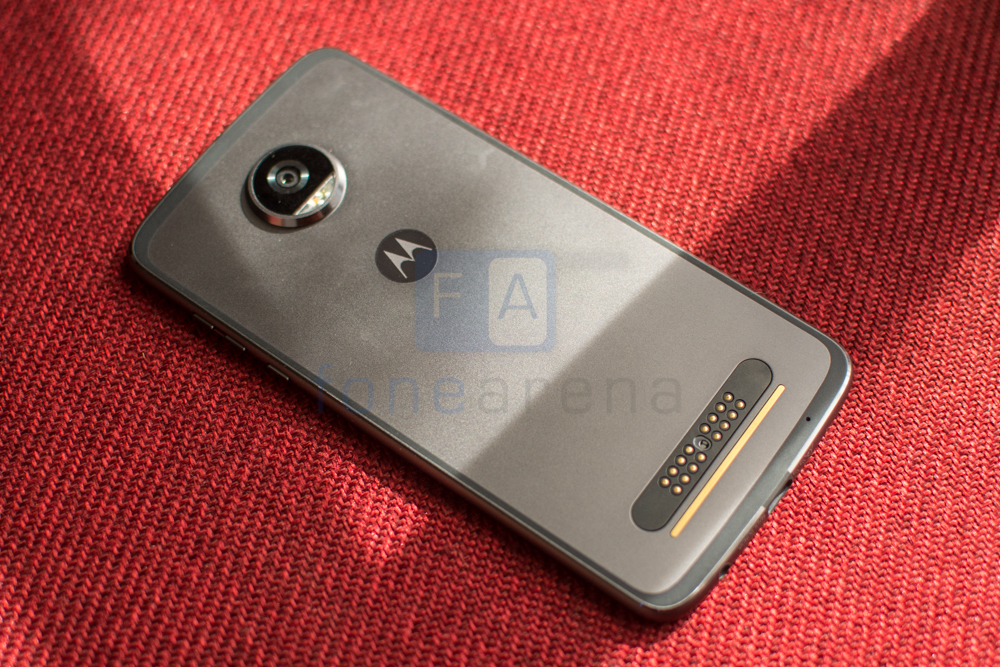 Moto Z2 Play Review -4